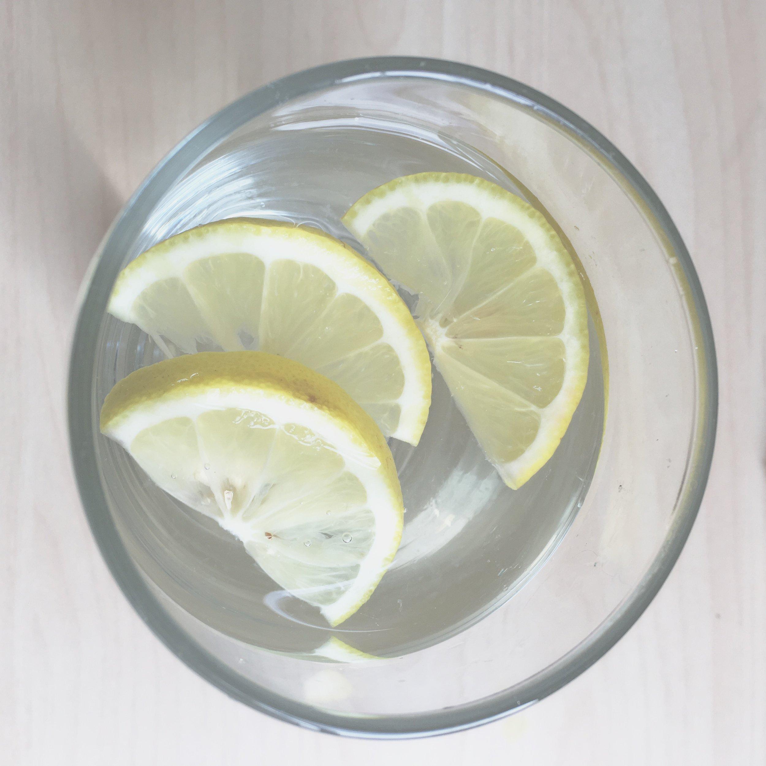 Lemon in water for detoxification - The Preggers Kitchen