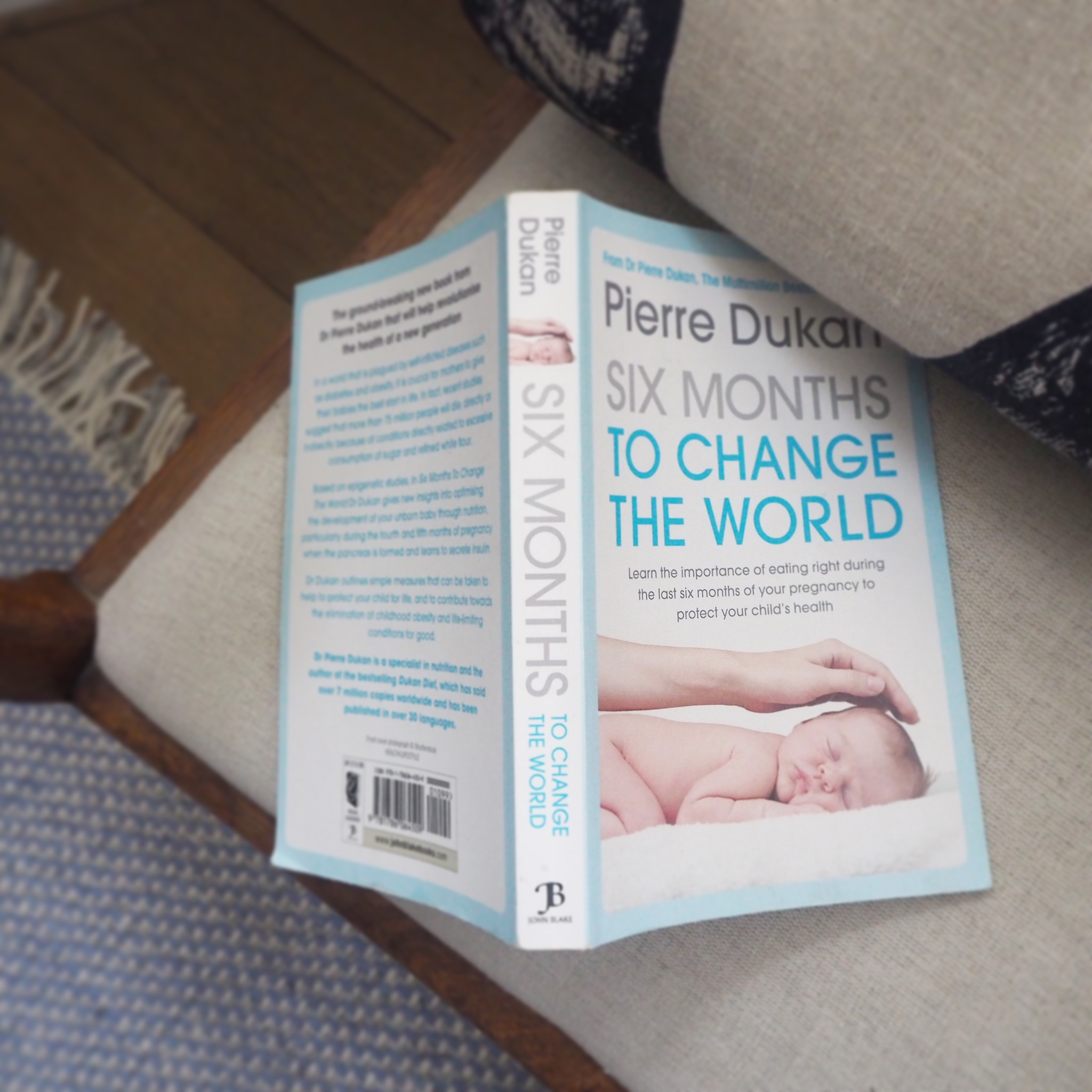Book review of Six Months To Change The World by Dr Pierre Dukan