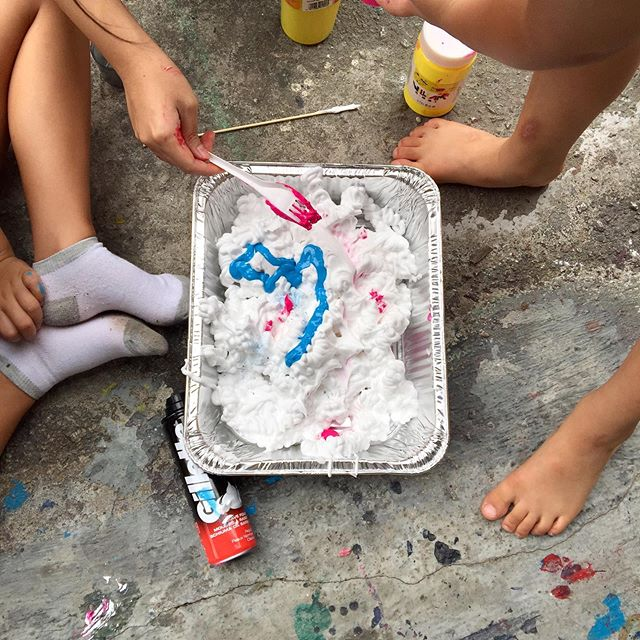 A series of marbling workshop ran by our trainee art facilitator, H, over the weekend🍦Learning the ropes of how to deliver a class's learning objective, to how do we set up the space for those very objectives to take shape?😊#art #craft #artwithkids