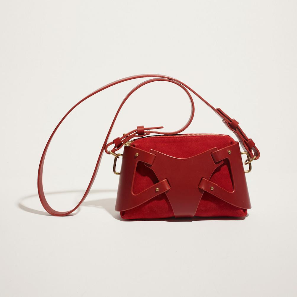 3. FLEET ILYA TRIANGLE PIECE BAG RED - BRS LR [2].jpg