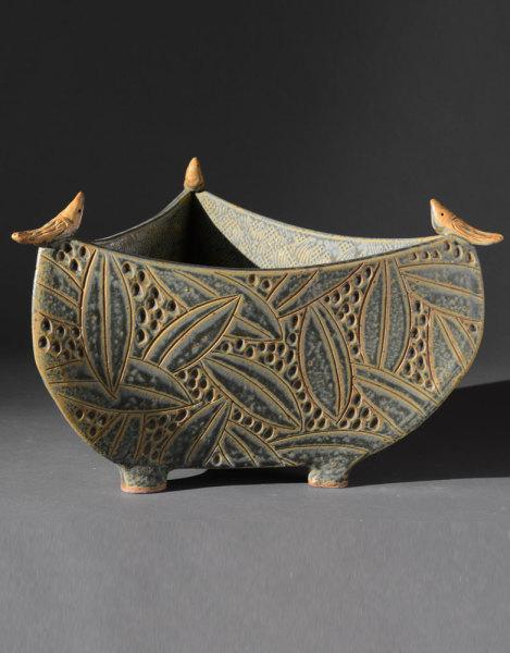 3-sided-bowl-with-birds-sage-469x600.jpg
