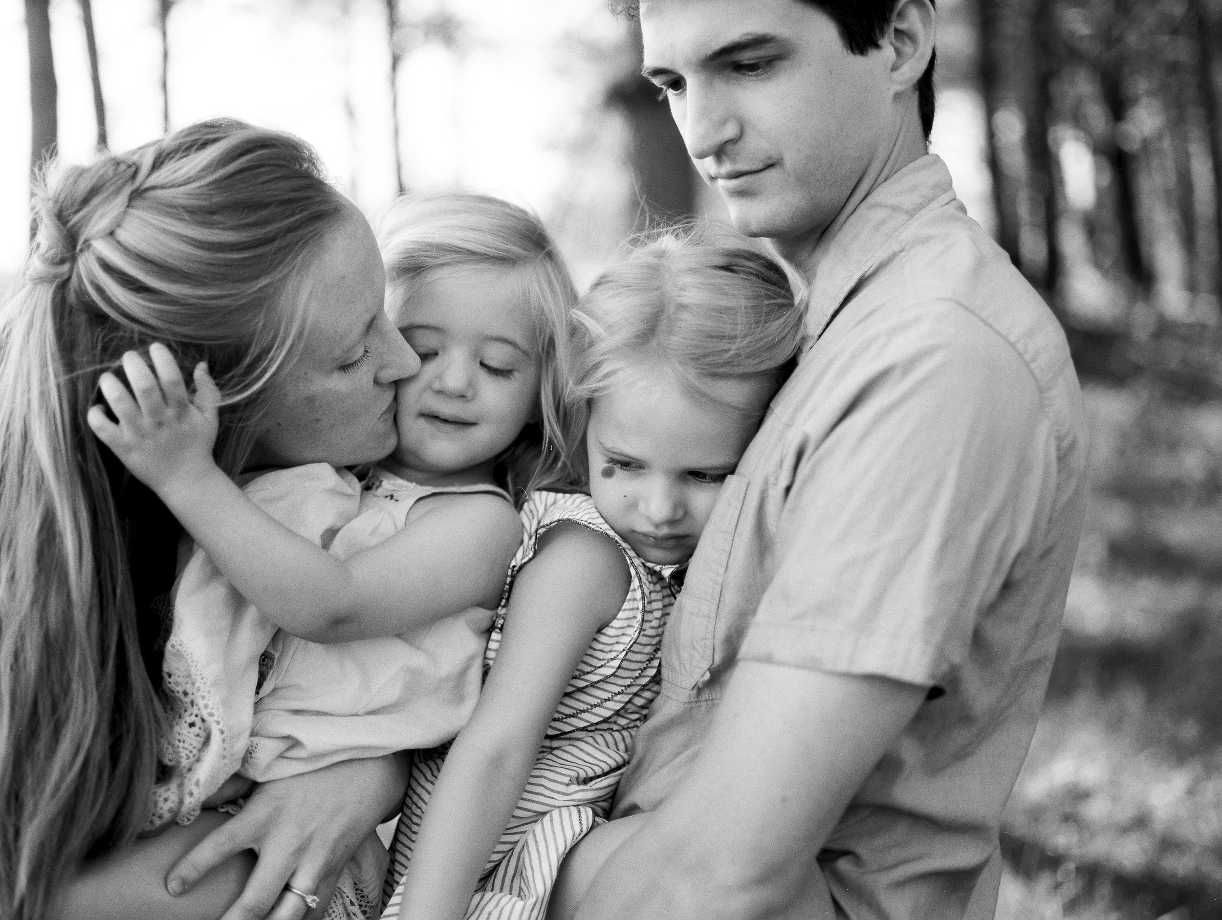 076-athens-georgia-children-and-family-film-photographer.jpg