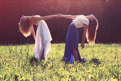 girls-839809__340.jpg