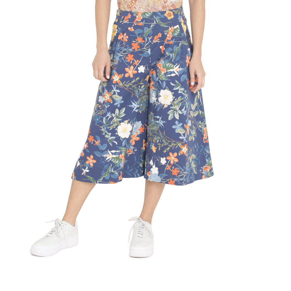 These colorful, flowery culottes are a great must have piece of clothing from the fashion brand Archerie.  ARCHERIE