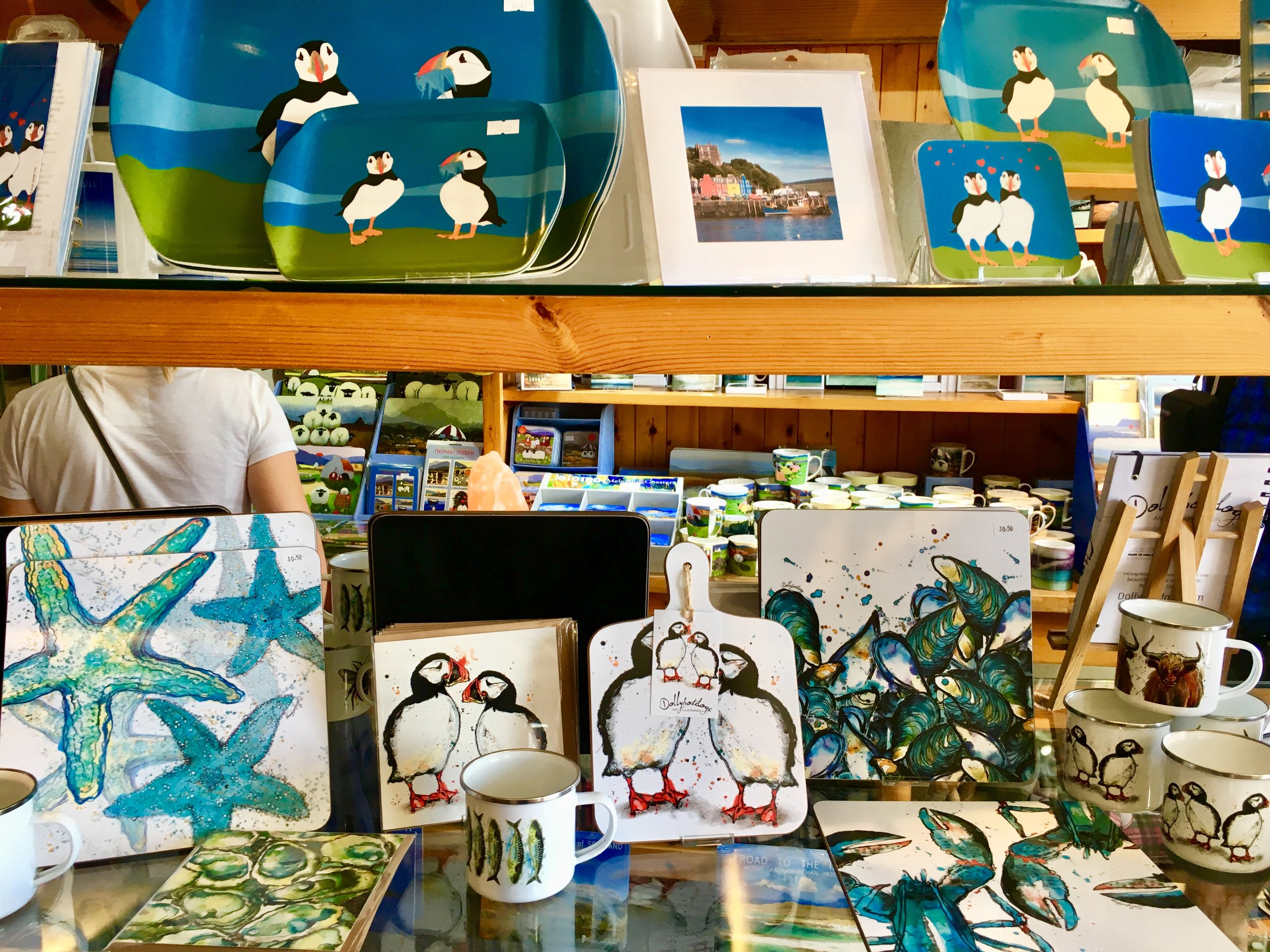 Sea and wildlife imagery is a great choice for souvenir gift giving.
