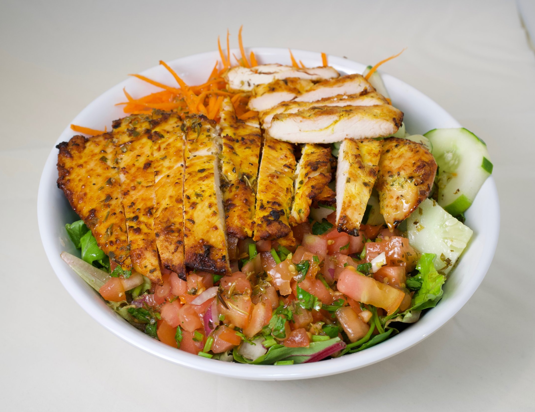 99. Energy Salad w. Chicken