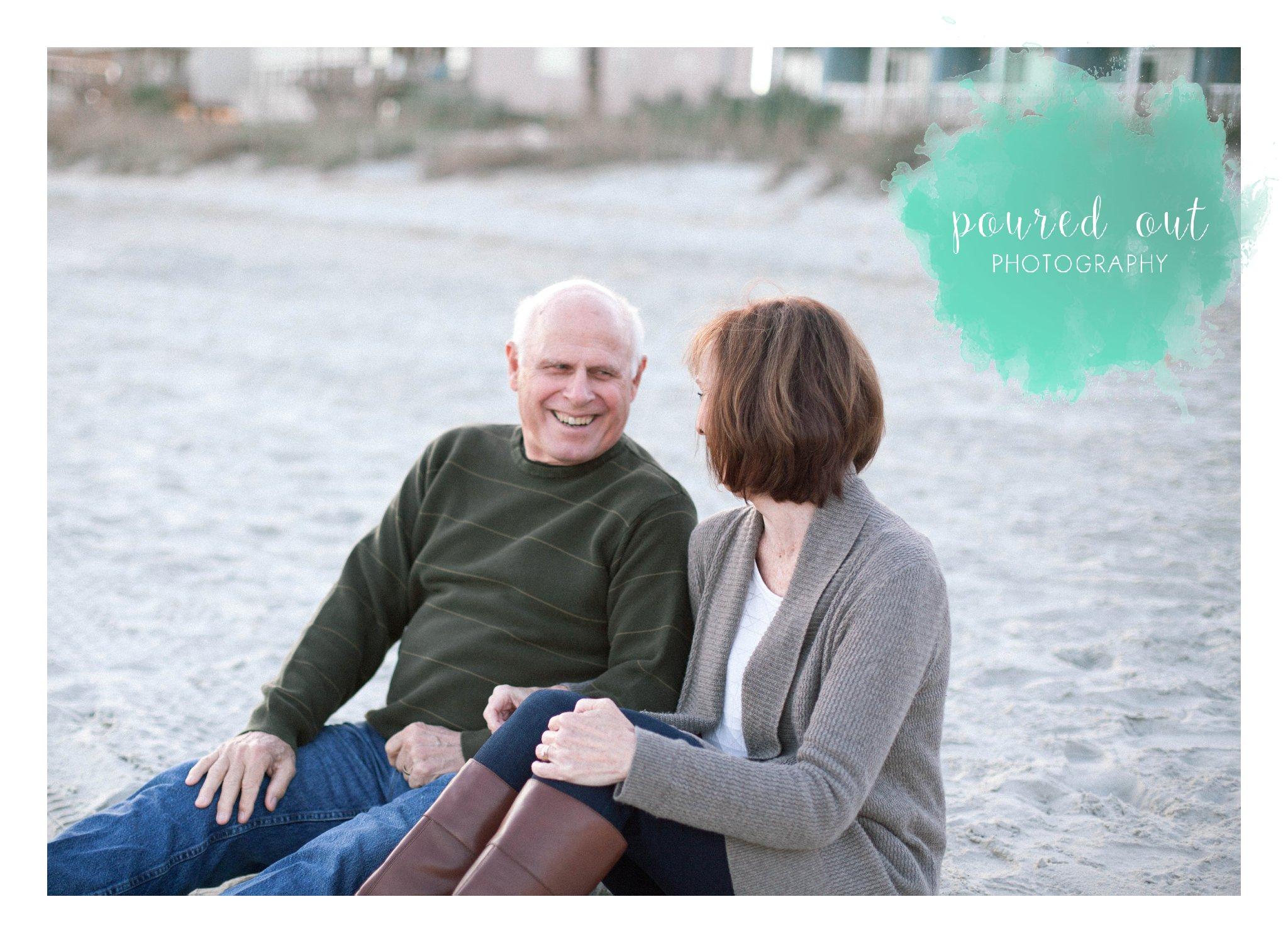 garden city pier, poured out photography, couple, beach, dogs