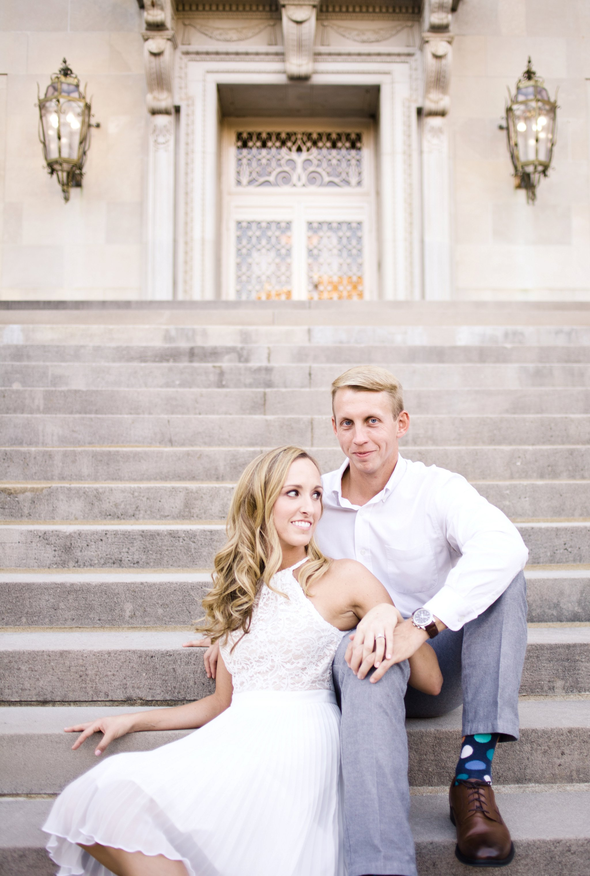 downtown-engagement-session-columbia-sc-state_house-photos_0003.jpg