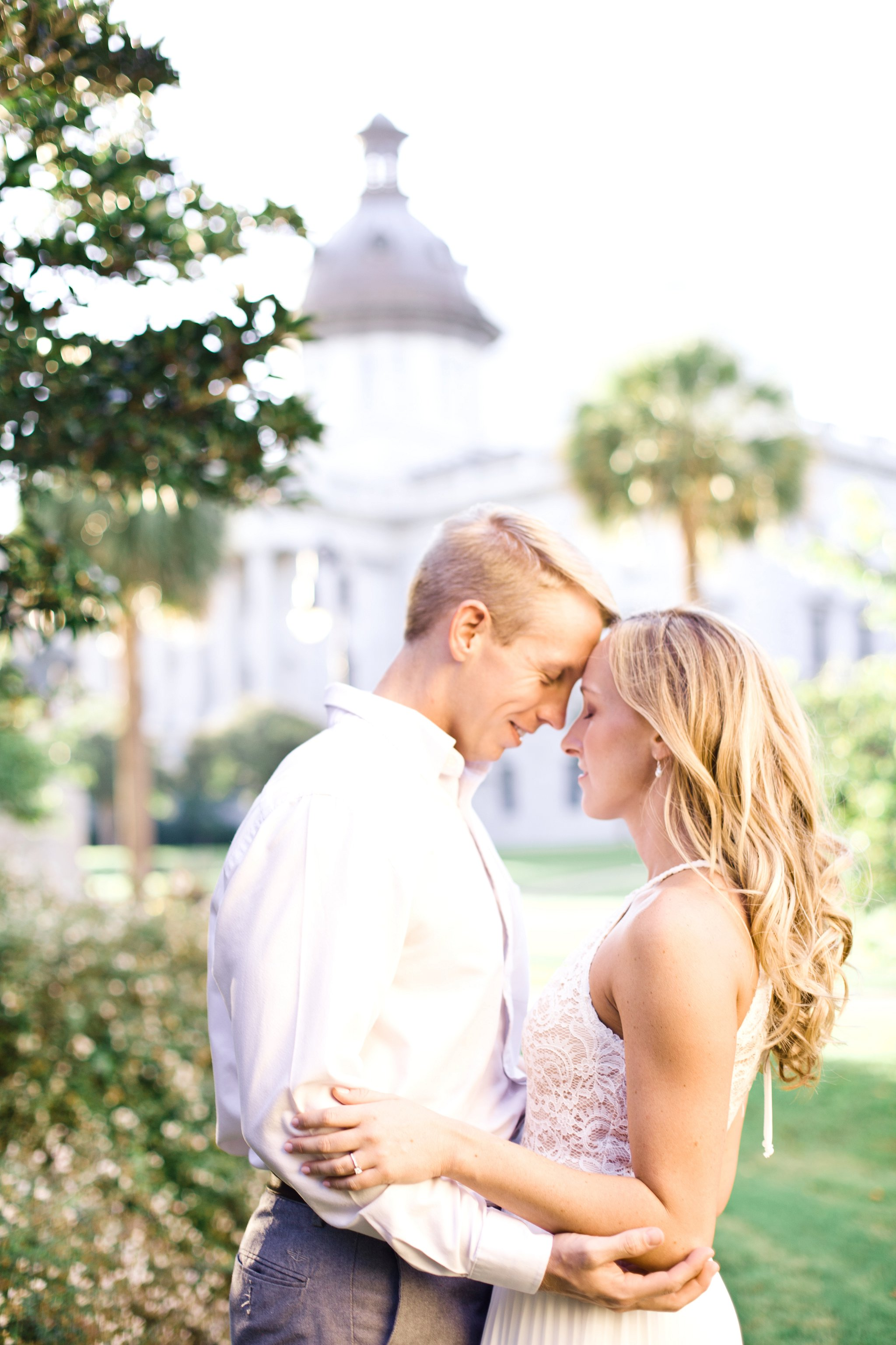 downtown-engagement-session-columbia-sc-state_house-photos_0007.jpg