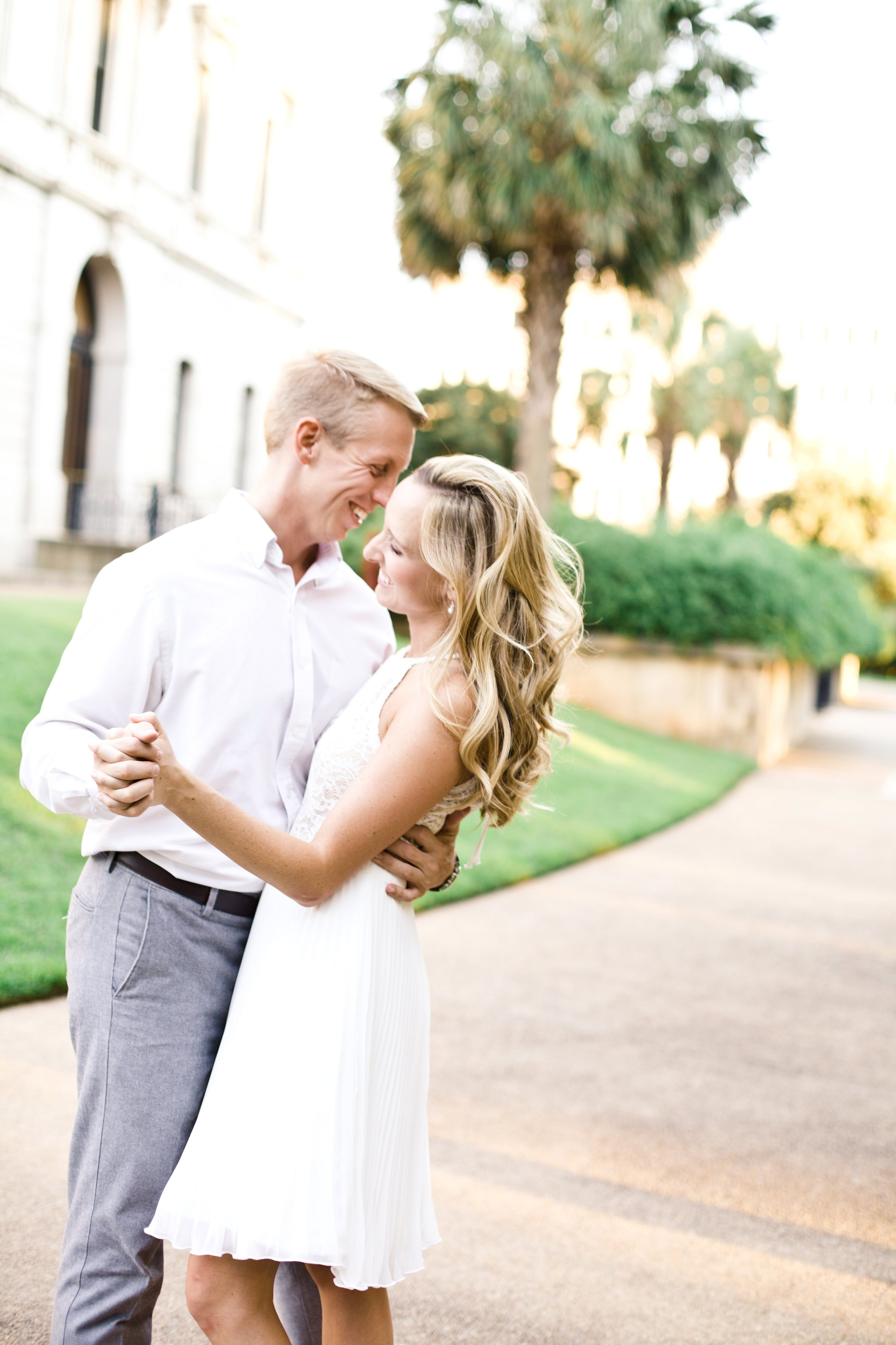downtown-engagement-session-columbia-sc-state_house-photos_0008.jpg