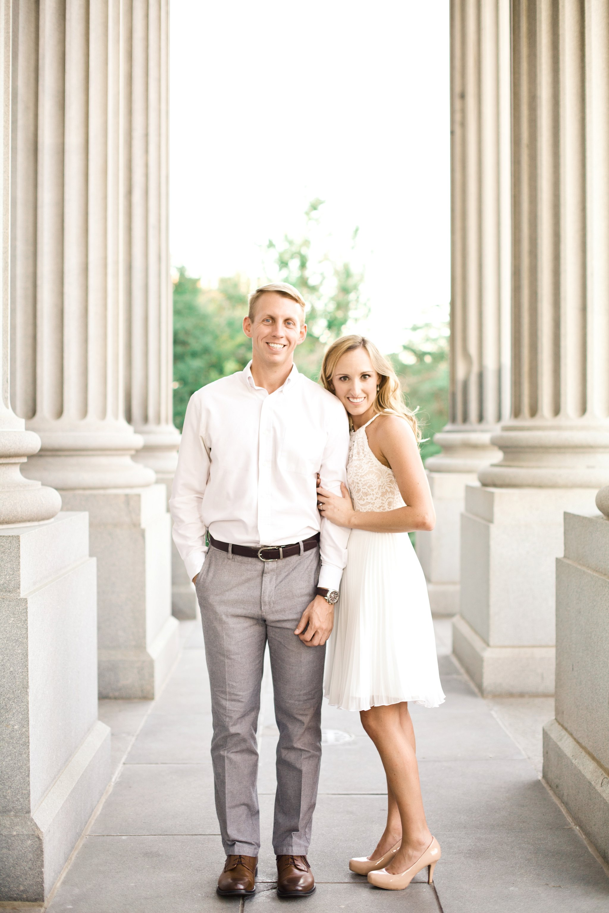 downtown-engagement-session-columbia-sc-state_house-photos_0010.jpg
