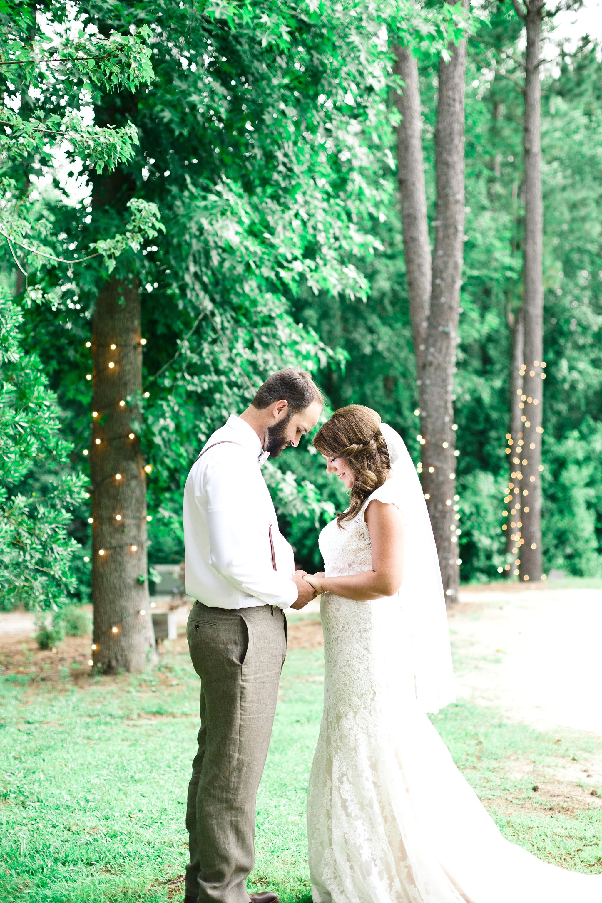 blush-mint-hidden-acres-wedding-marion-sc-photos_0080.jpg