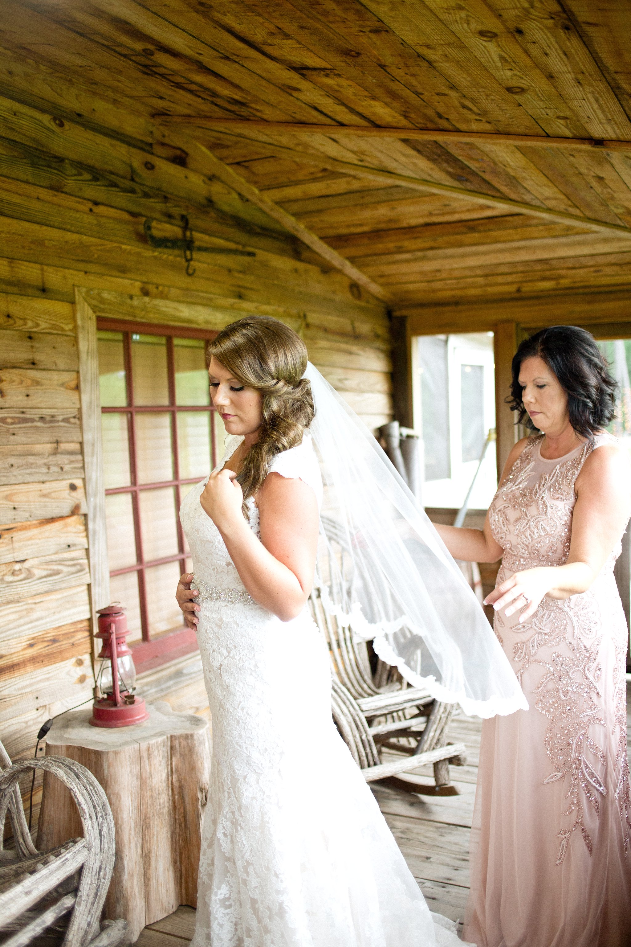 blush-mint-hidden-acres-wedding-marion-sc-photos_0081.jpg