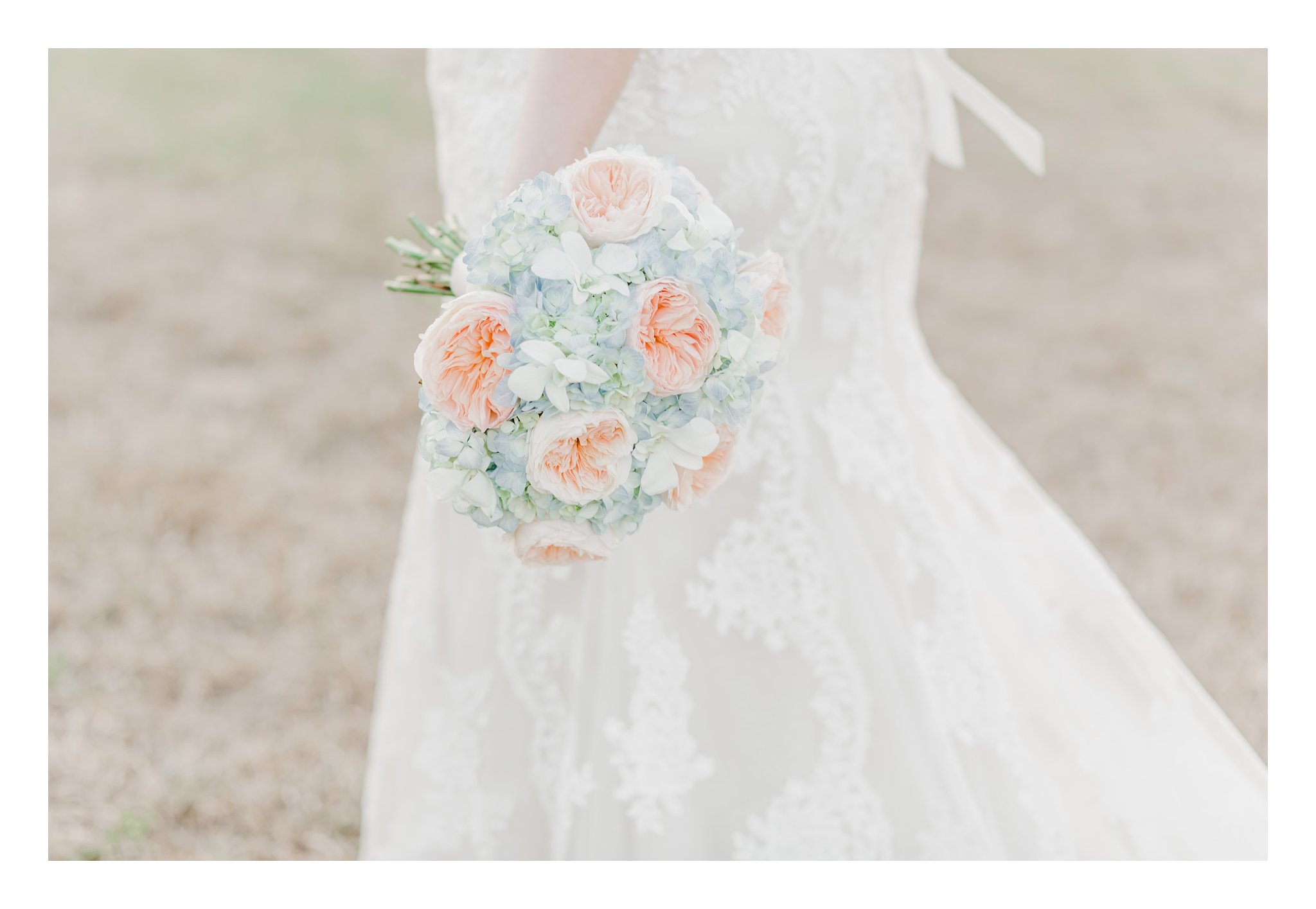 winter-lowcountry-lace-gown-bouquet-newberry-sc-bridal-photos-_0010.jpg