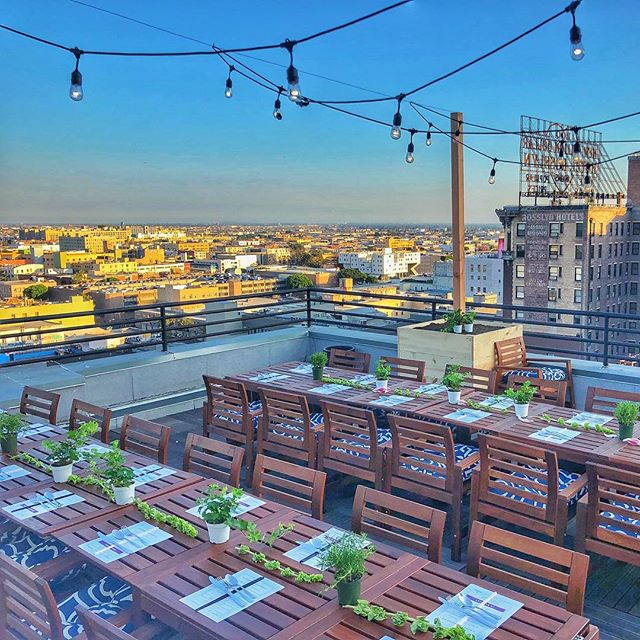 It's almost #dtladinnerclub time!!! Featuring chefs from @chineselaundrytruck and sponsored by @melissasproduce and @mayfairhotella #sunset #dtladinner