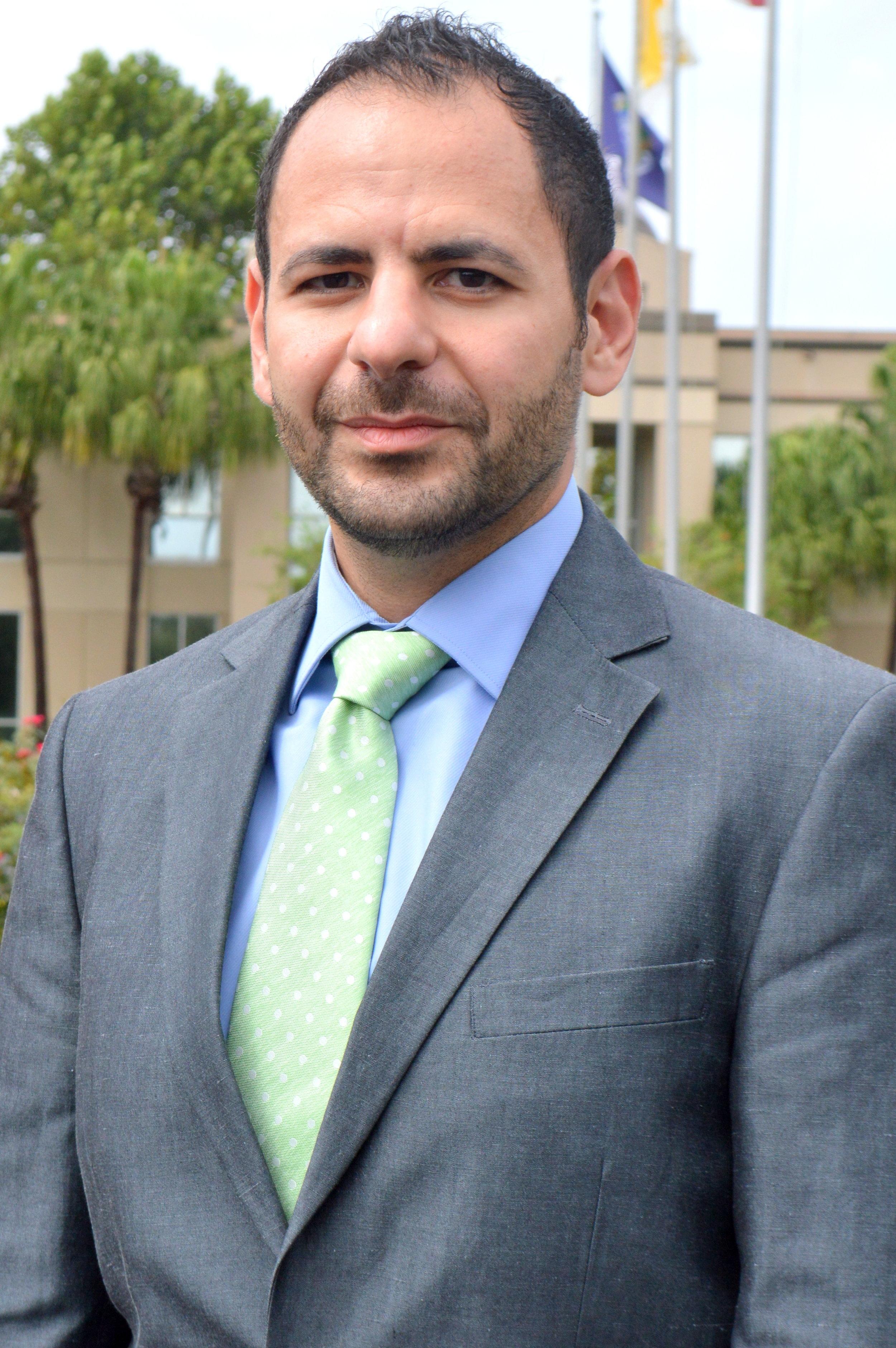 Abraham Elmazahi Headshot.jpg
