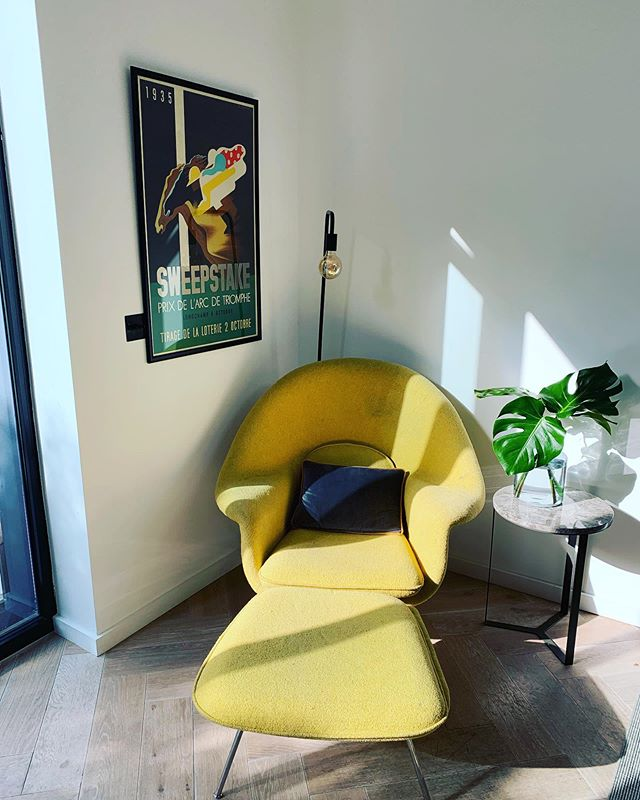 Everything else behind this shot is still a mess and covered in icing and face paints (everywhere!) but the sun is shining on my womb chair #wombchair #moffee #busterandpunch #interiordesign #design #furniture #interiors