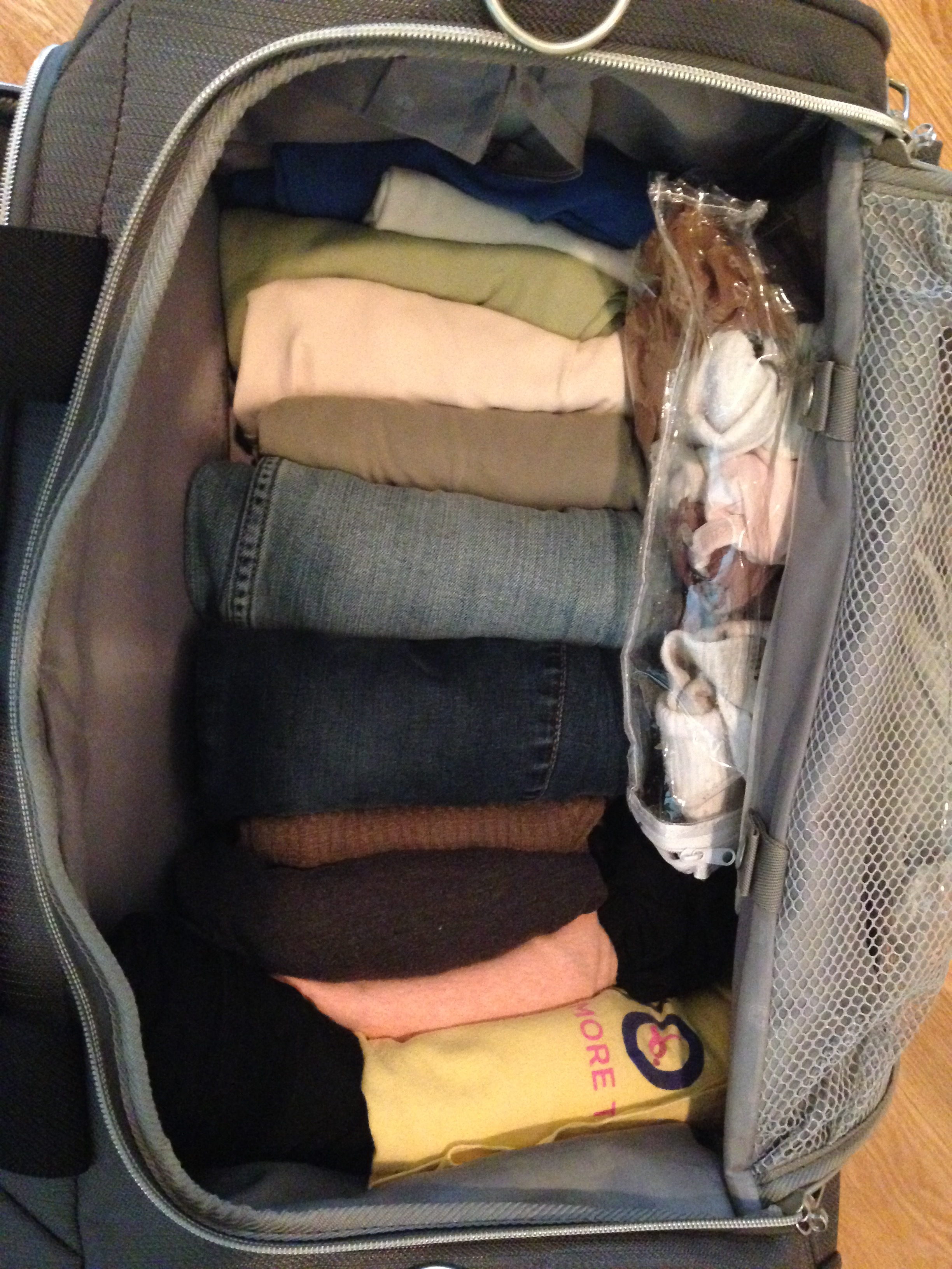 Zippered plastic linen bags keep socks and underwear neatly tucked away.  Rolled clothes remain wrinkle-free and visible for easy pairings with less disruption by TSA bag searches.