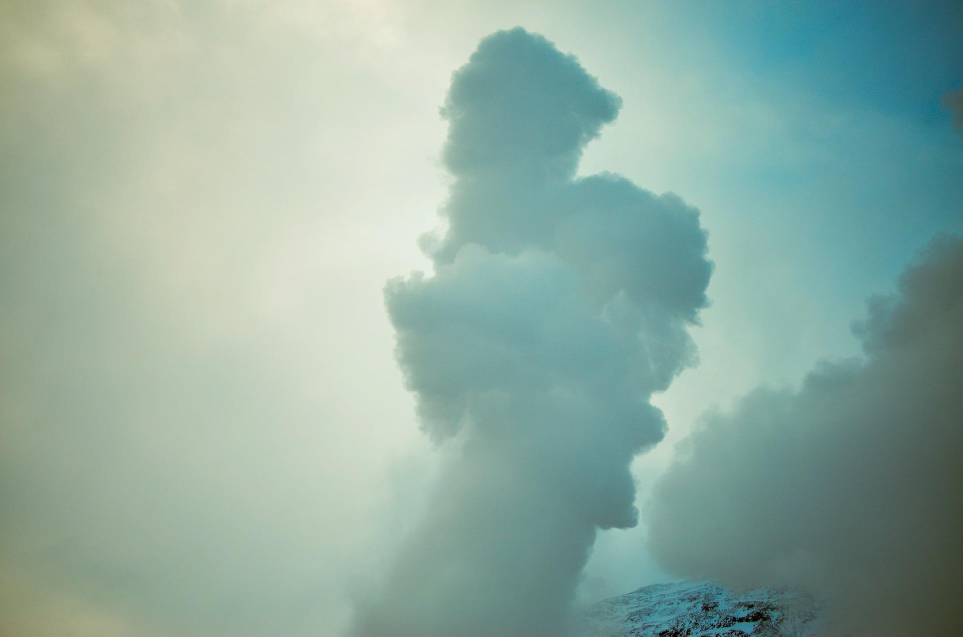 cloud-1030719_1920.jpg