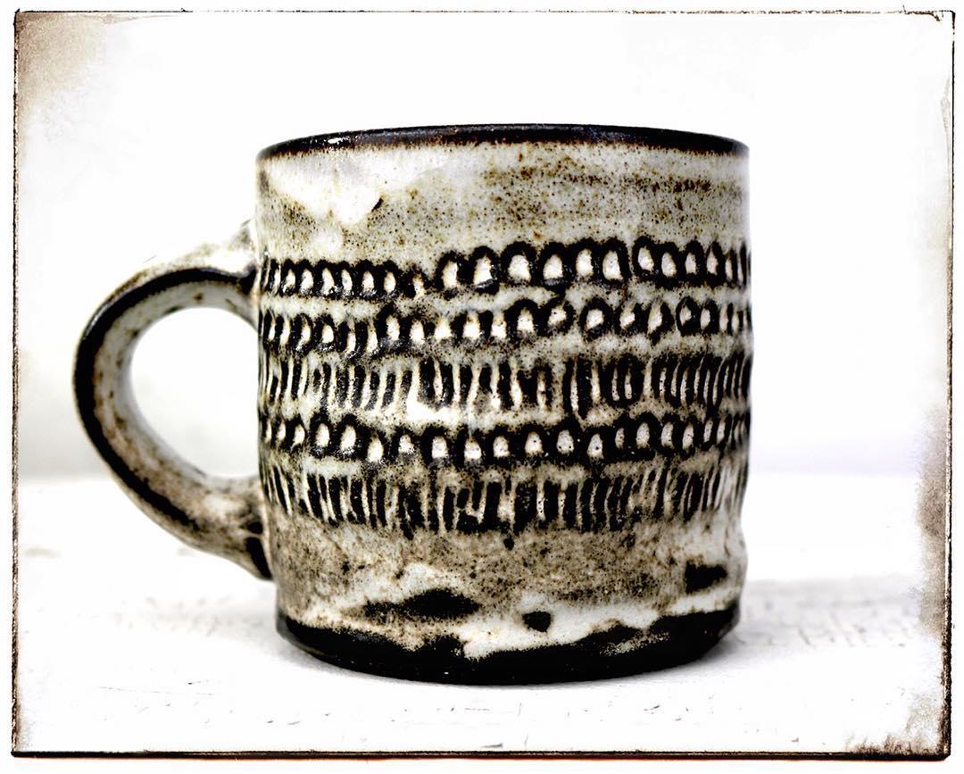 hippie love mug white choco.jpg