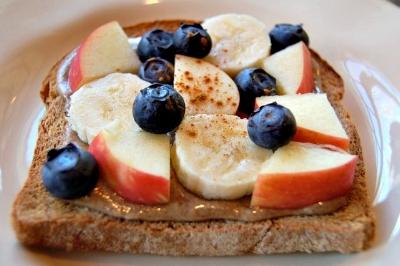 nut butter toast.jpg