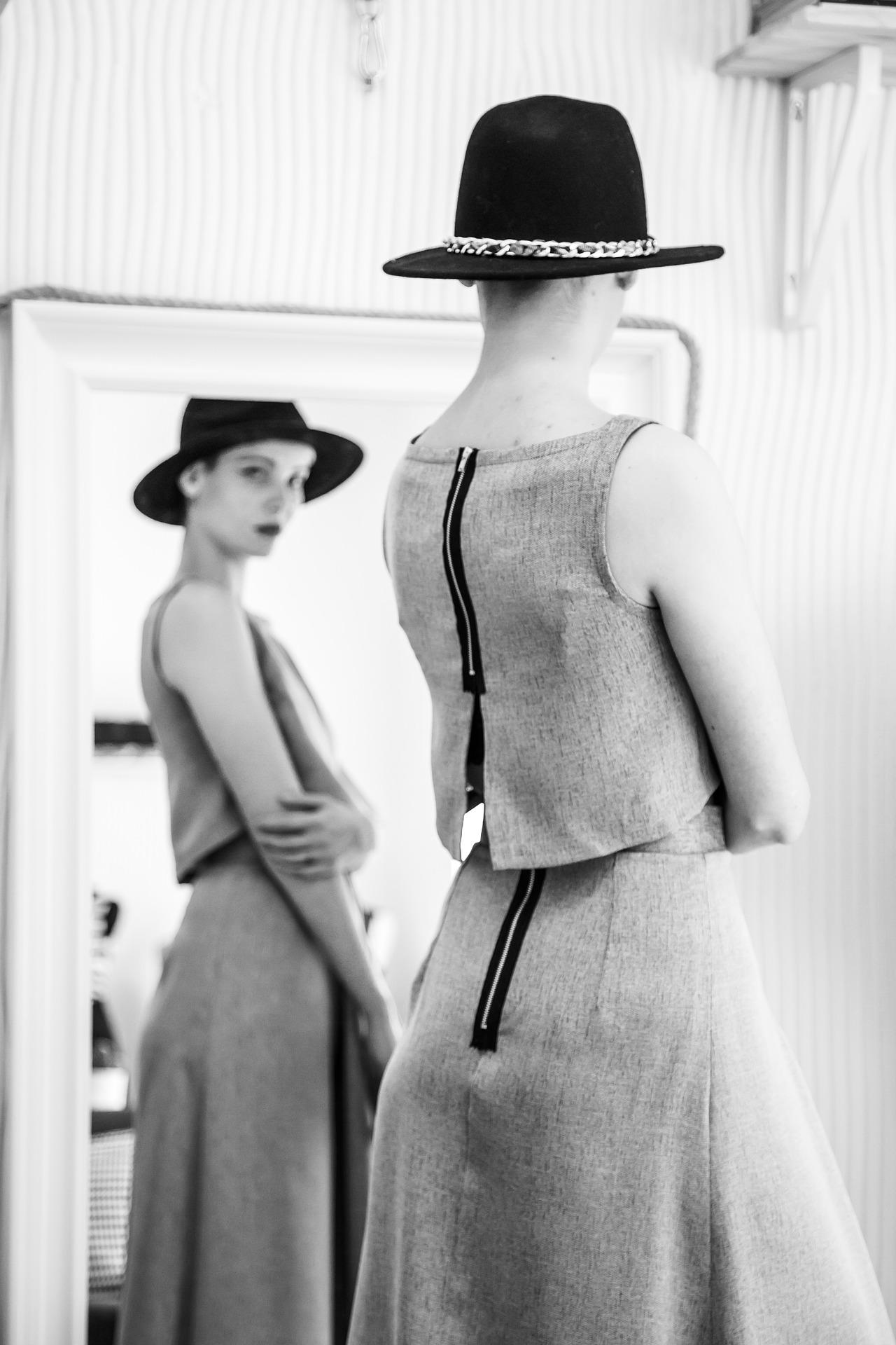 woman-1326707_1920.jpg