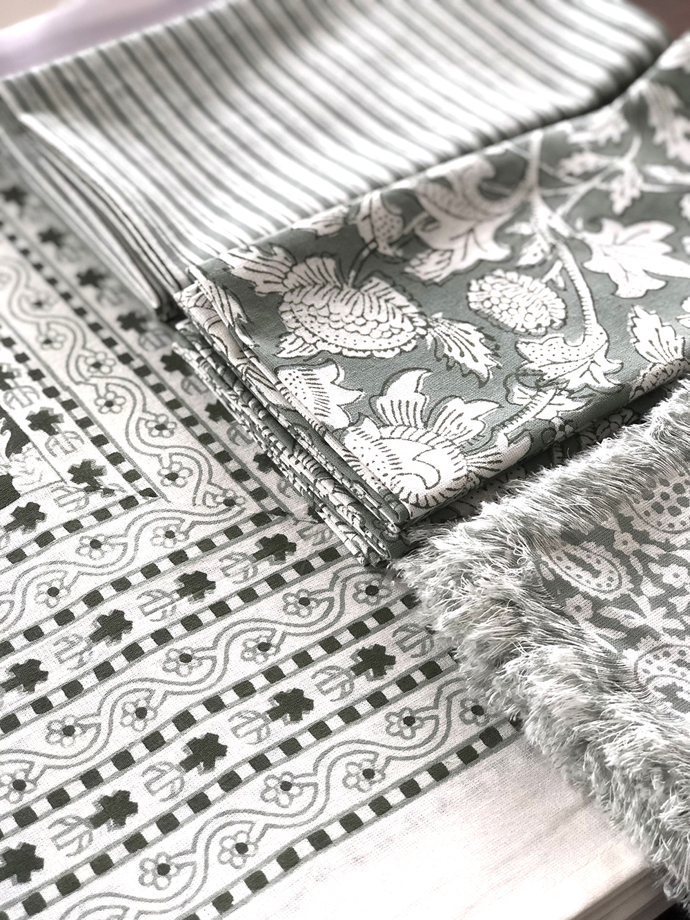 table linen -
