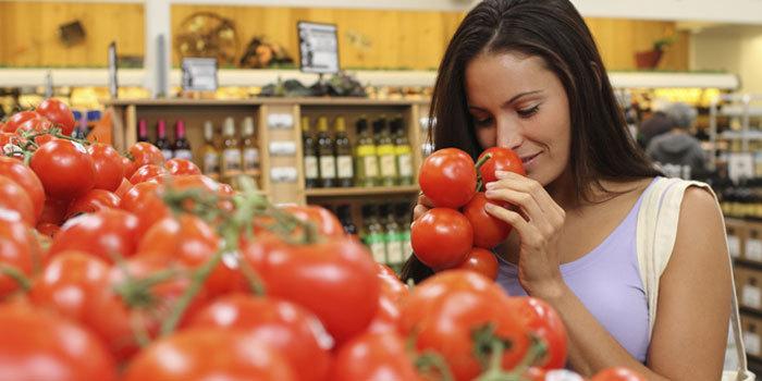 clean_eating_tomato_iamsuperfit
