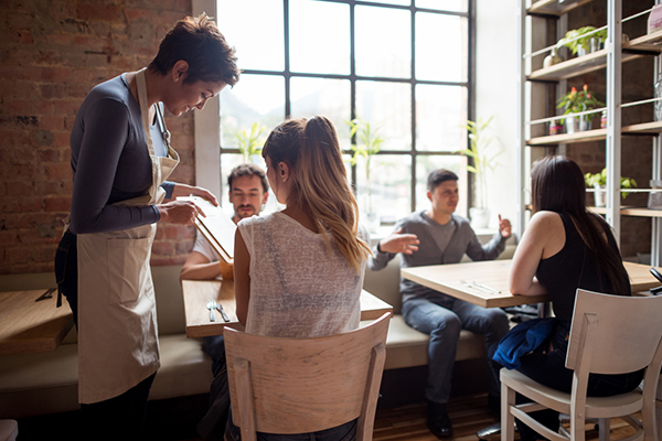 What-Food-Experts-Order-When-They-Eat-Out.iStock.inpost.jpg