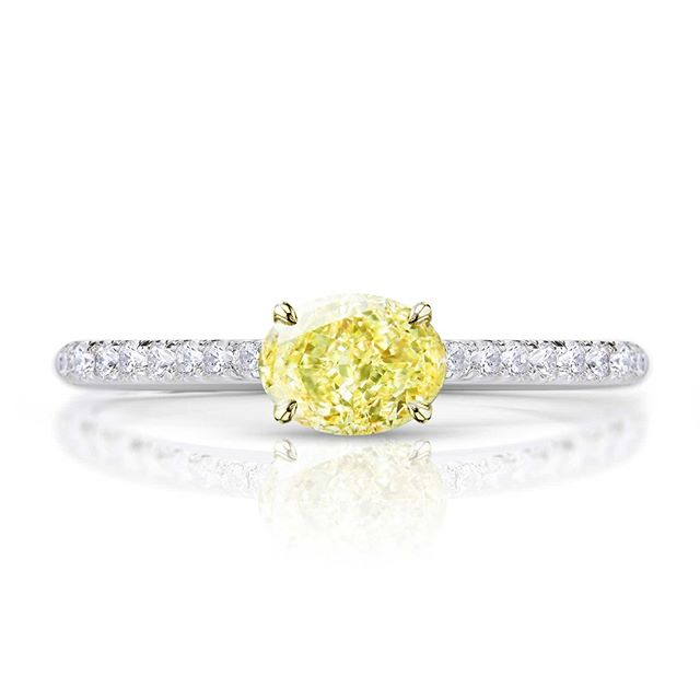 Well, this was rather unexpected - put your oval yellow diamond sideways and even strangers will comment on your ring. Simple yet stunning pairing with GIA 0.63ct Fancy Intense Yellow Oval Diamond with white diamond set band.⠀⠀⠀⠀⠀⠀⠀⠀⠀ -⠀⠀⠀⠀⠀⠀⠀⠀⠀ Please note that all of our pieces are custom designed and custom made in London. If you are interested in pricing or designs, please feel free to send us an email to design@hugoandhaan.com. We are happy to help.⠀⠀⠀⠀⠀⠀⠀⠀⠀ - ⠀⠀⠀⠀⠀⠀⠀⠀⠀ #yellowdiamonds #yellowdiamondring #yellowdiamondengagementring #bespoke #jewellerydesigner #lovediamonds #engagementrings #uniqueengagementrings #madeinlondon @hugoadhaan