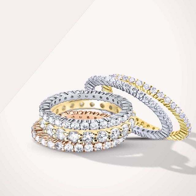 Look alive people - it's Monday! Diamond claw set eternity rings now live on the webshop. From small to grand 💎  #diamonds #eternityrings #diamondweddingring #diamondband #diamondweddingband #weddingbandsforher #bridetobe2019 #goodmorning #jewellerydesigner #londonfood