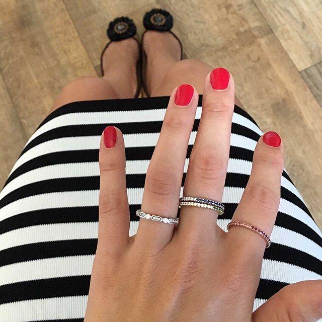 𝕲𝖊𝖙 𝕾𝖙𝖆𝖈𝖐𝖎𝖓𝖌 - stack your beautiful Hugo & Haan rings.  #diamonds #eternityrings #diamondweddingring #diamondband #diamondweddingband #weddingbandsforher #bridetobe2019 #goodmorning #jewellerydesigner #london