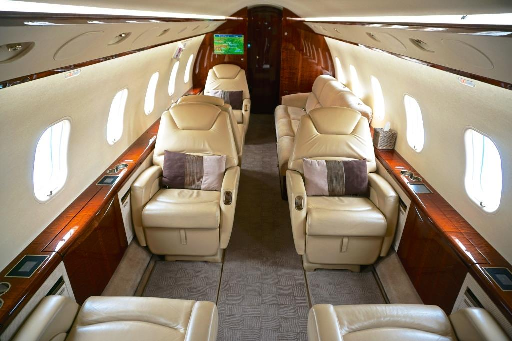 2007 Challenger 300 - Double Club