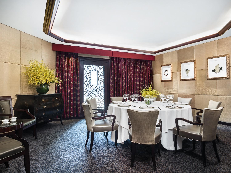 Tang-Court-Cantonese-Restaurant-Hong-Kong-Dining-Private-Room.jpg