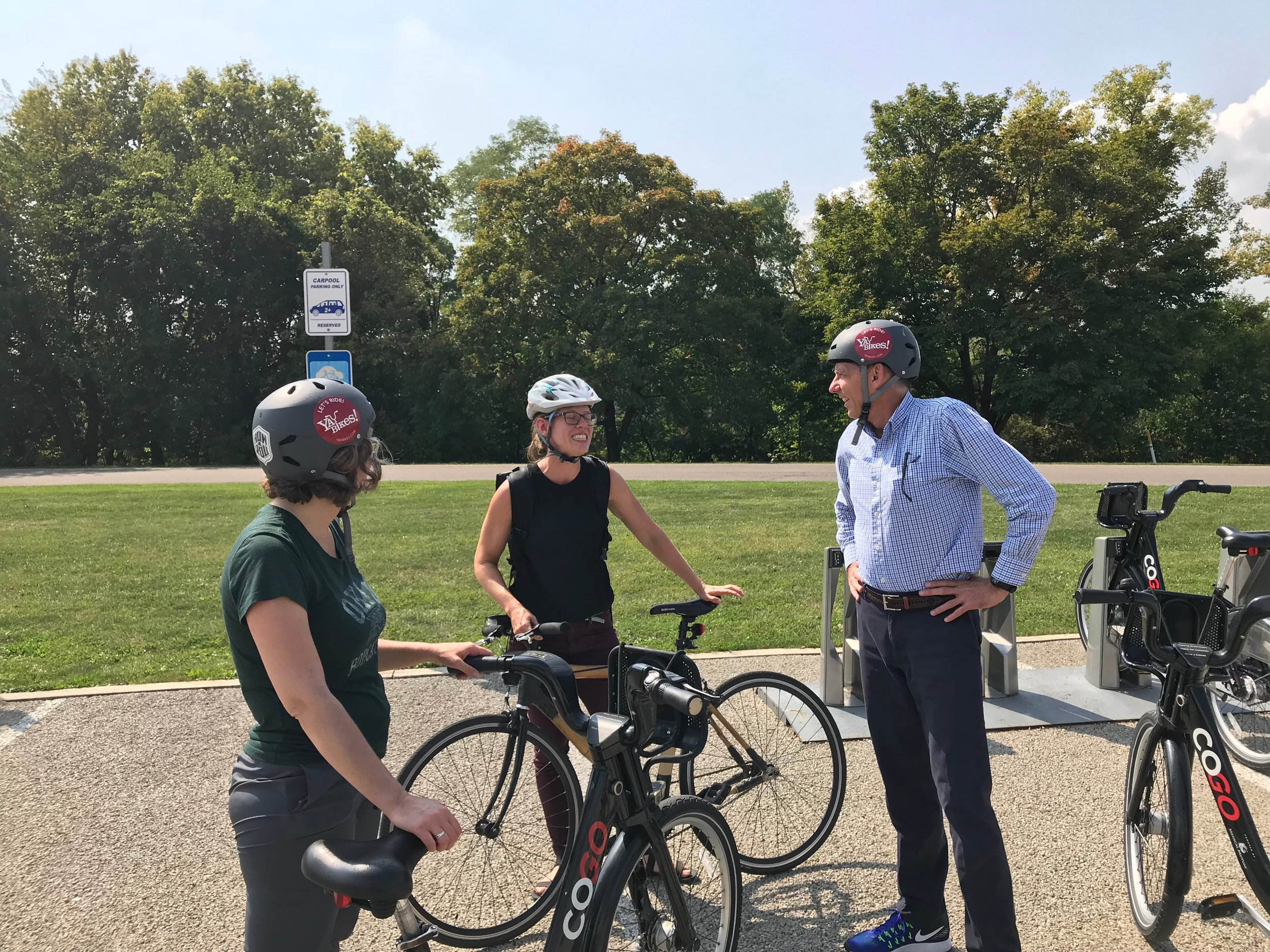 Riders discover how easy it is to use CoGo to ride into Downtown from Scioto Audubon Metro Park. Photo credit: Deo Martinez