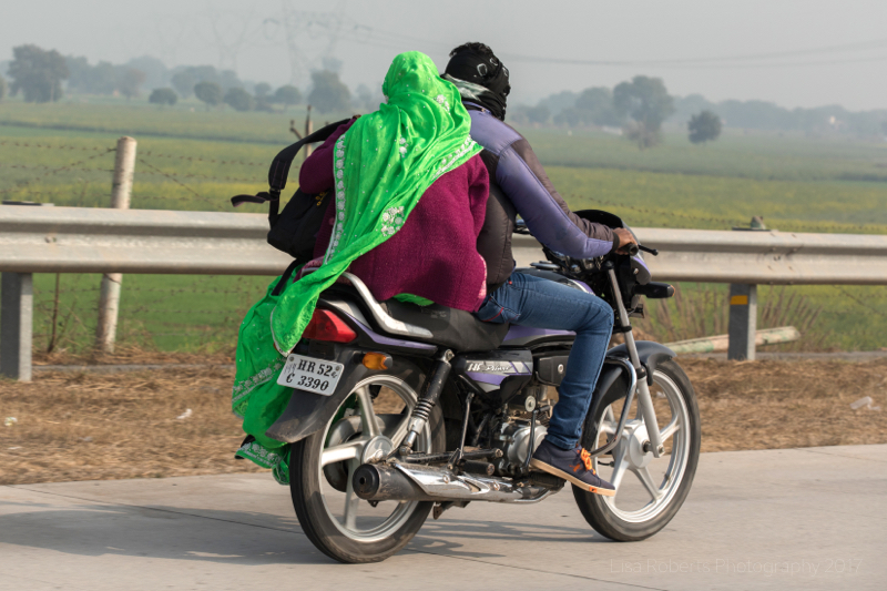 Flapping sari! Mat, Uttar Pradesh, India