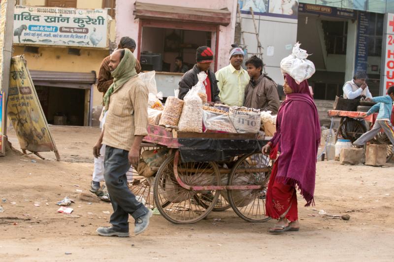 Peanut sellers, Gargaon, Haryana, India