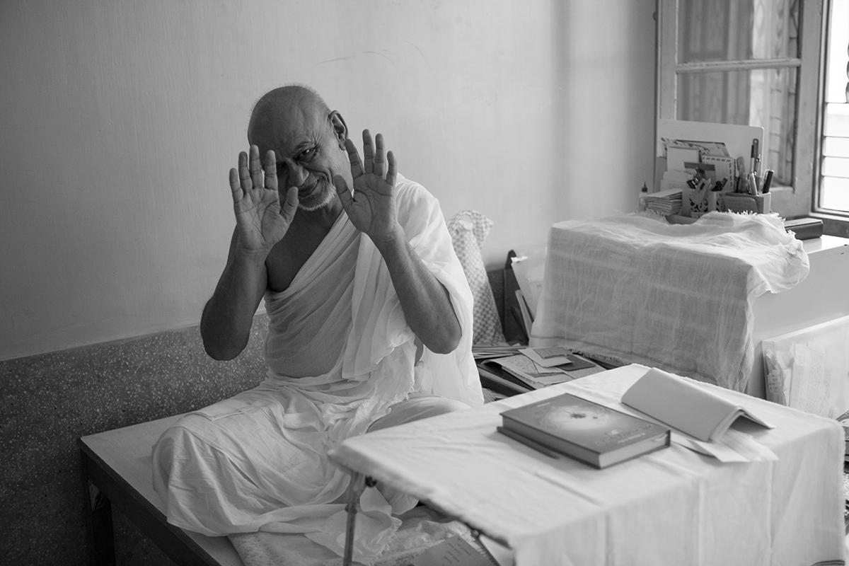 "Acharya Vijay Kirtiyashsuriswarji Maharaj Swetamber Jain Monastic Order, Kolkata | Archival Pigment Ink on Hahnemühle FineArt Photo Rag Paper | 11"" x 16.5"" | 2015"