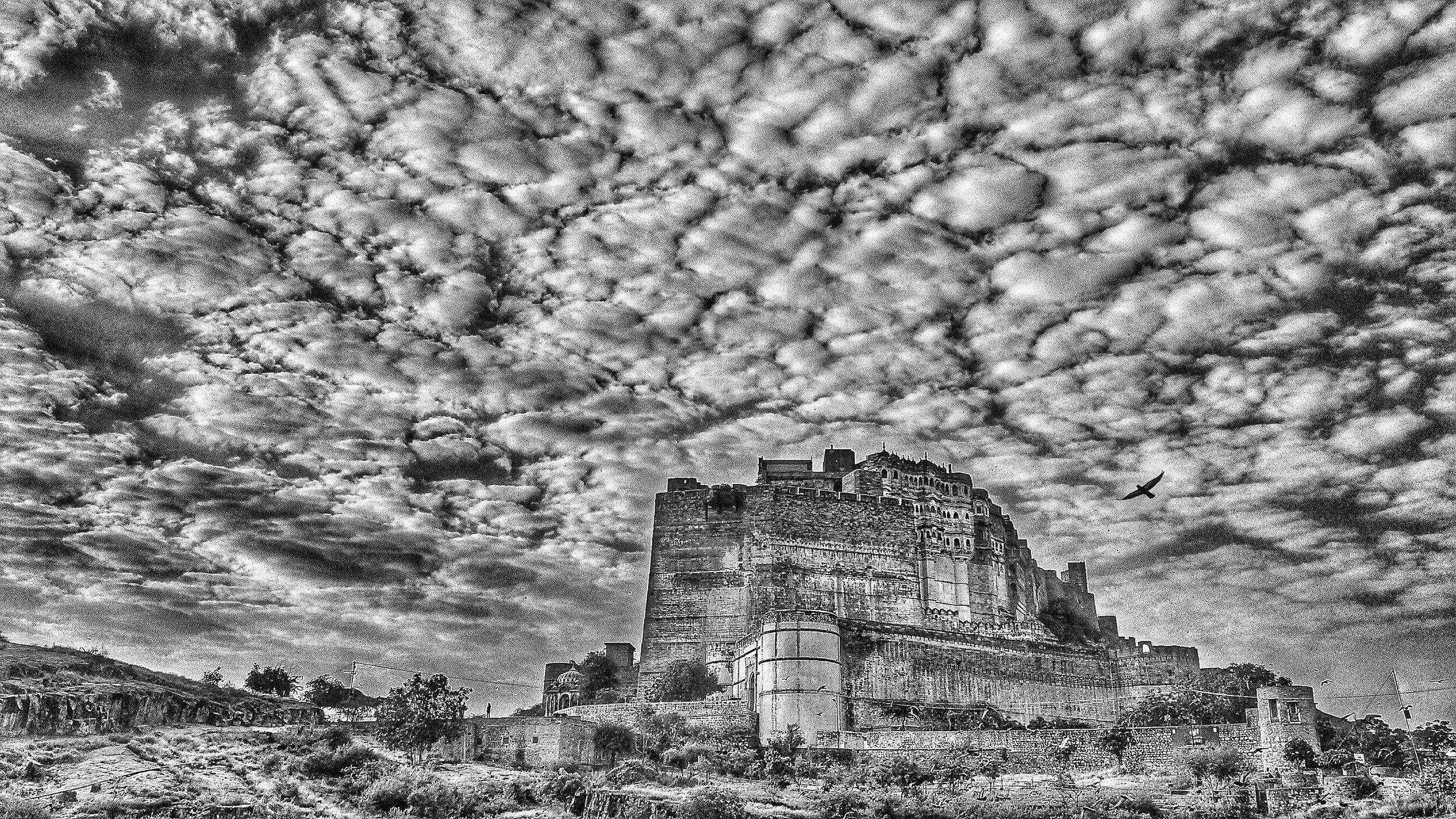 "Early morning, Mehrangarh Fort, Jodhpur II | Archival pigment print | 11.5"" x 20"""