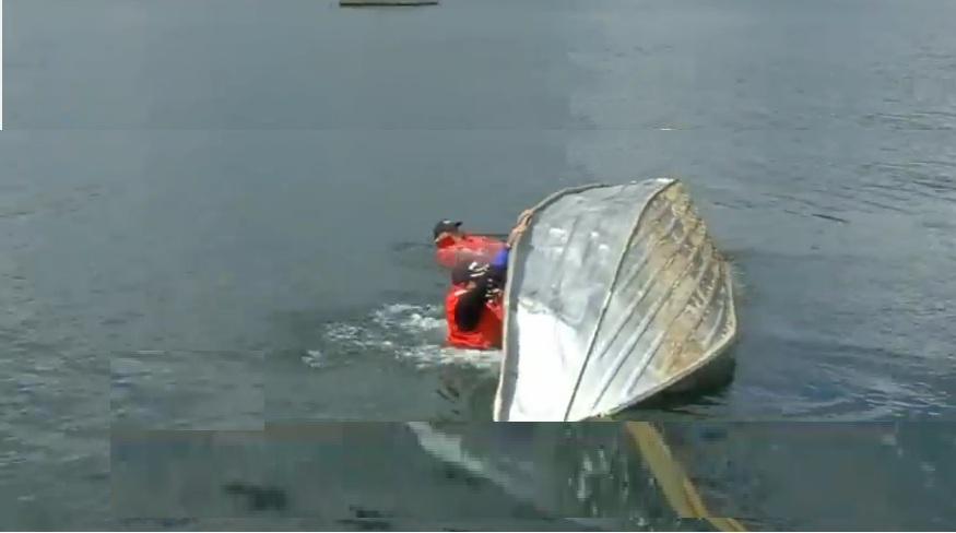 Boat-Capsize1.jpg