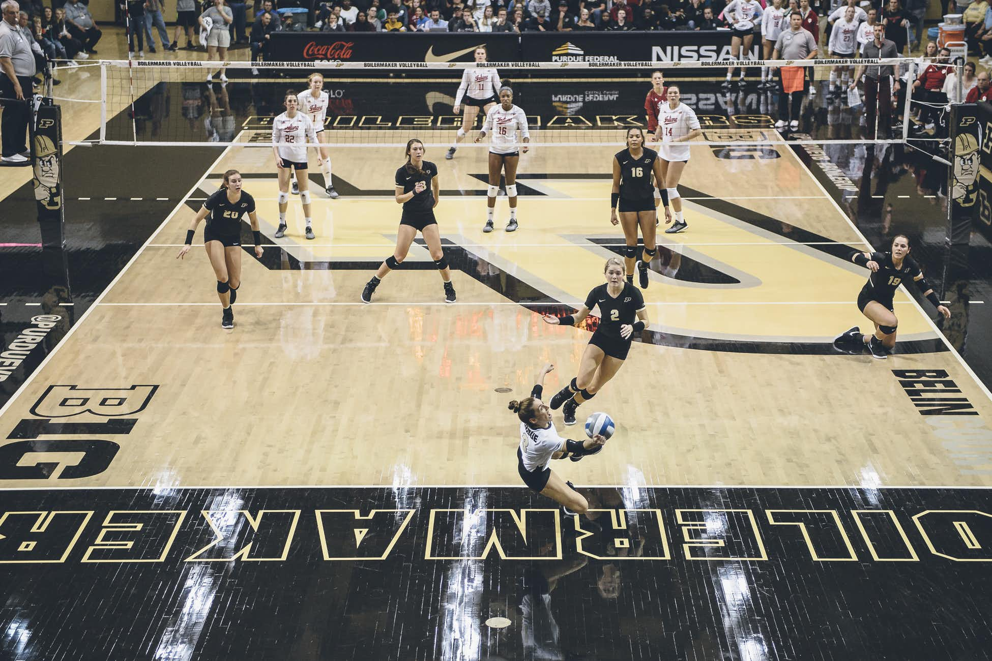 I don't remember if Purdue won this point or not; it's still a great picture. I'd look it up on the replay but btn2go sucks.