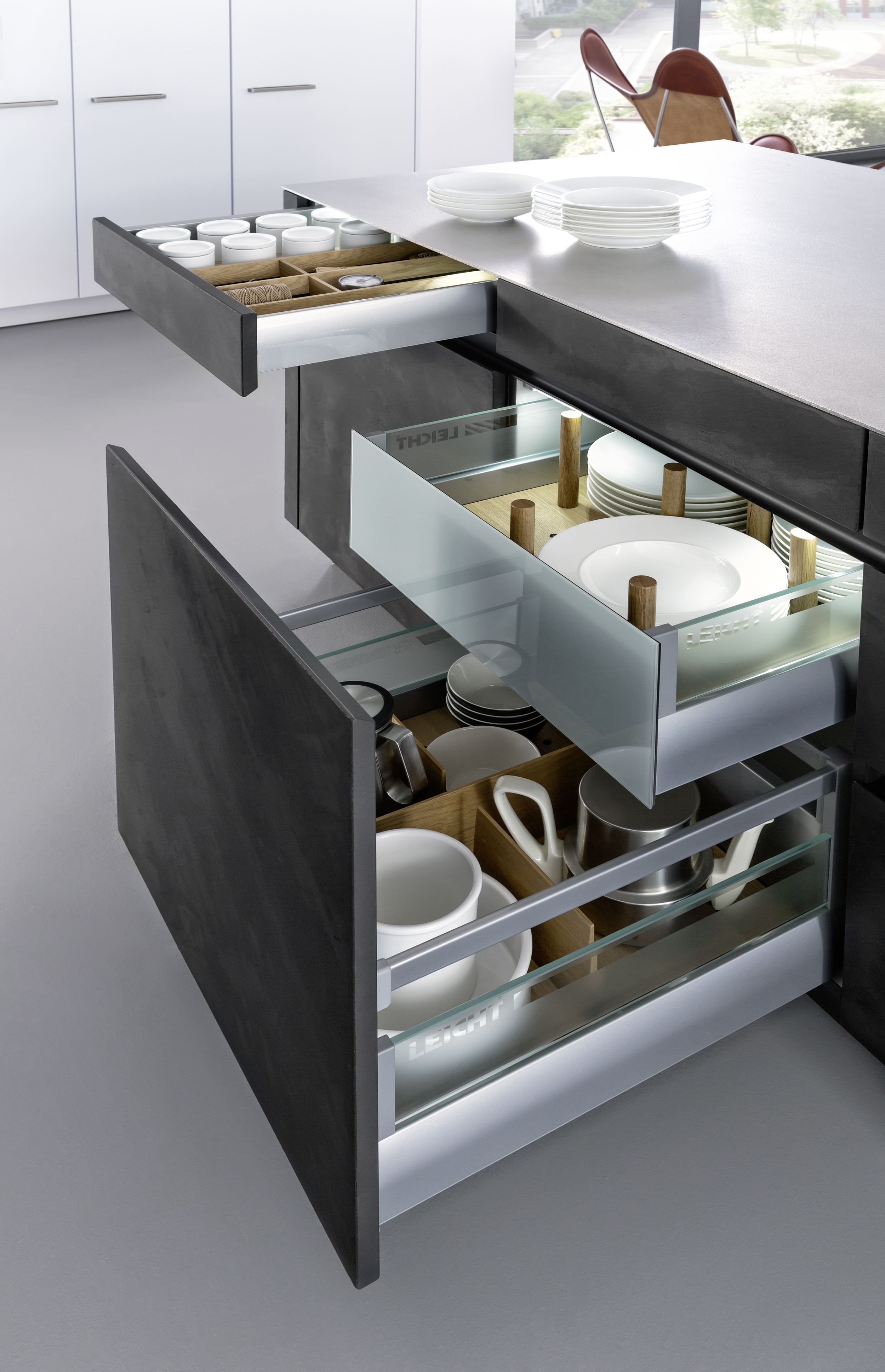 Contour Kitchens Cheltenham - Drawer pull outs