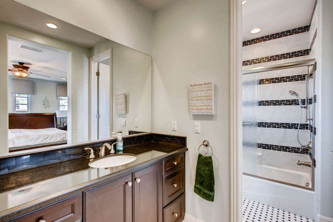 7923 High Time Ridge San Diego-small-022-19-2nd Floor Bathroom-666x444-72dpi.jpg