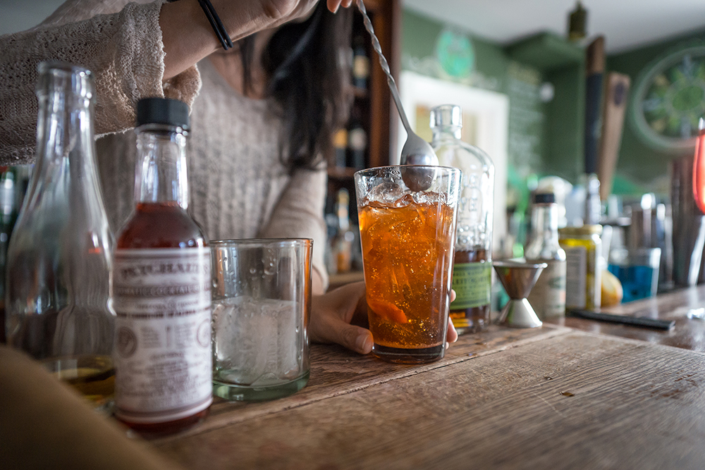 BOLETE - Erin cocktailing-1000.jpg