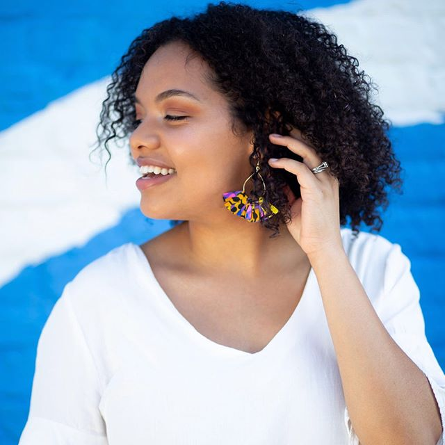 Earrings are now available!!!! We are already having orders from the insta stories so go to copomarket.com quick and grab you a pair before they are gone! 💕 . . #earrings #copomarket #rwanda #artisans #helpothers #shopsmall #style