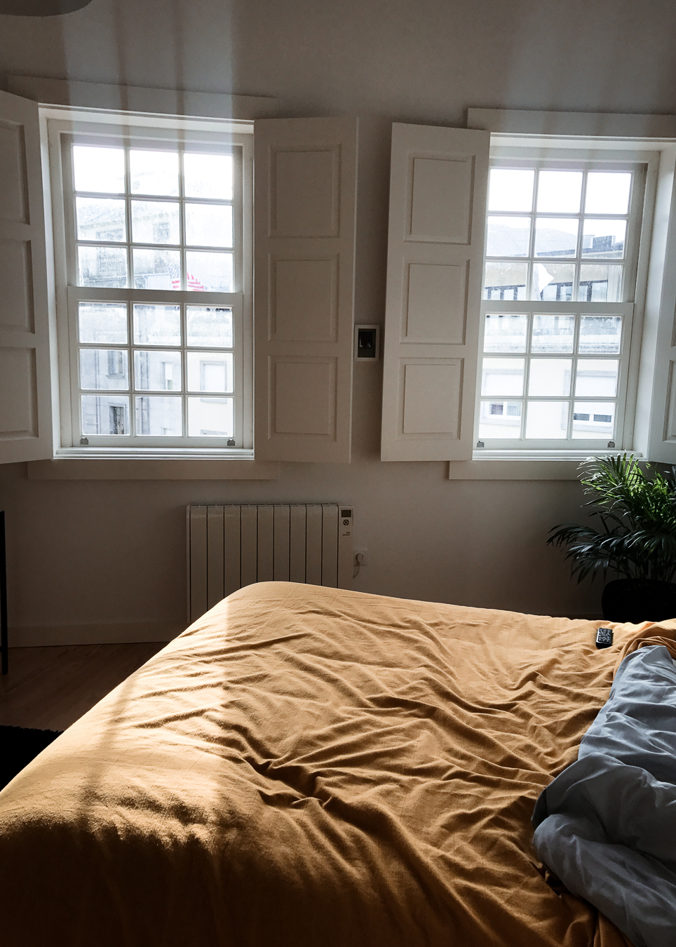 An  Ana's cute studio in Porto for 40 euros a night.