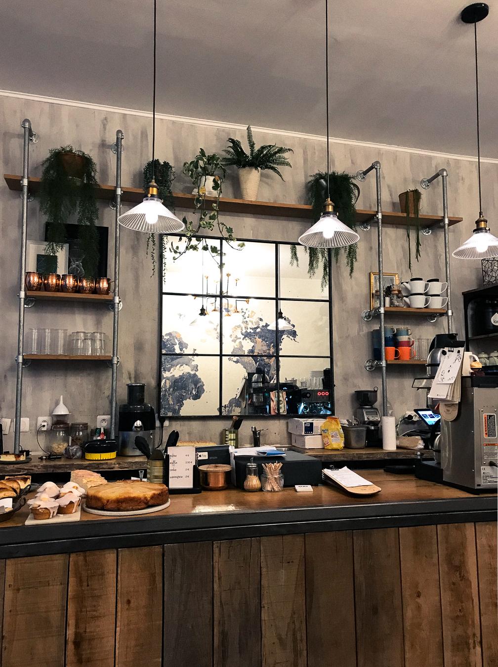 Oni Coffee Shop Paris.