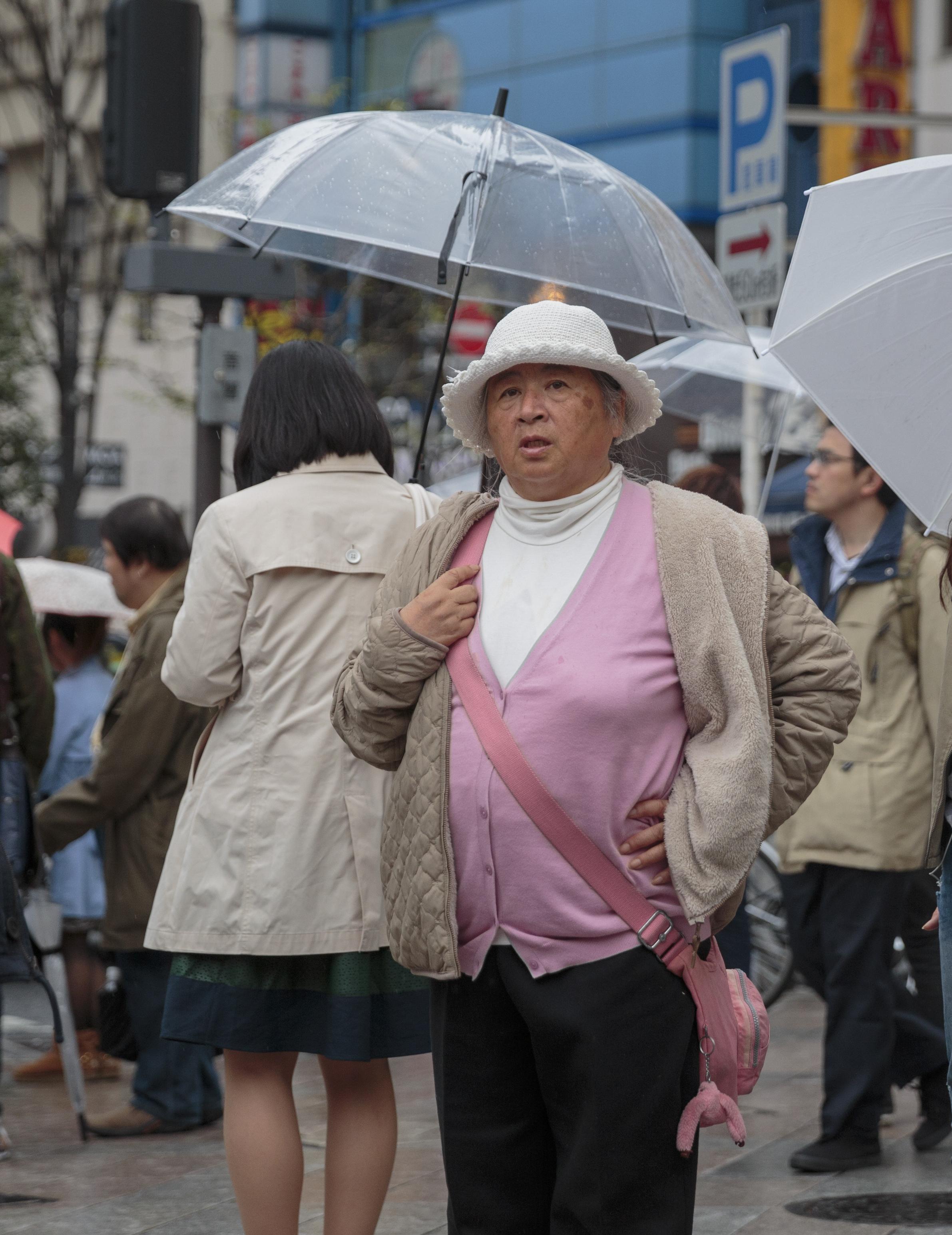 woman-pink.jpg