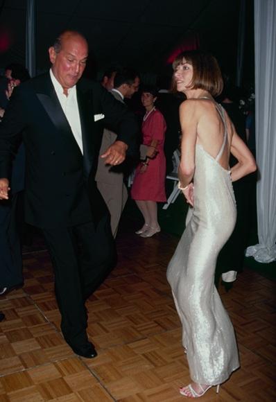 Anna-Wintour-dancing-in-a-silver-gown-with-Oscar-de-la-Renta-1990s.jpg