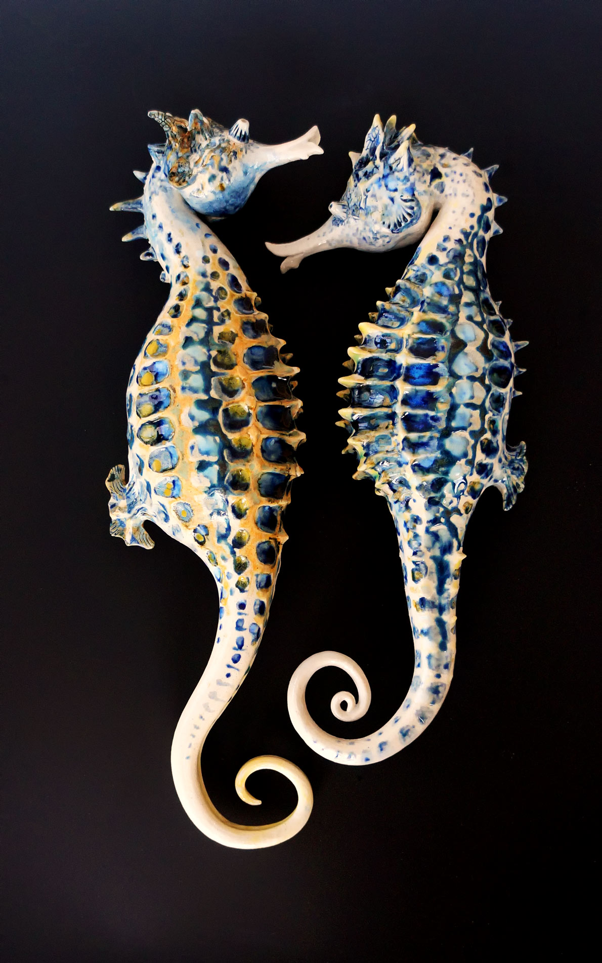 Wall Hanging Seahorse Couple. 21 inches long.